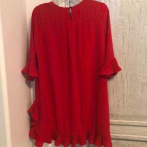 Beautiful ruffled red dress sz L ❤️